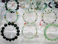 shopping for jadeit jewelry such as bracelets