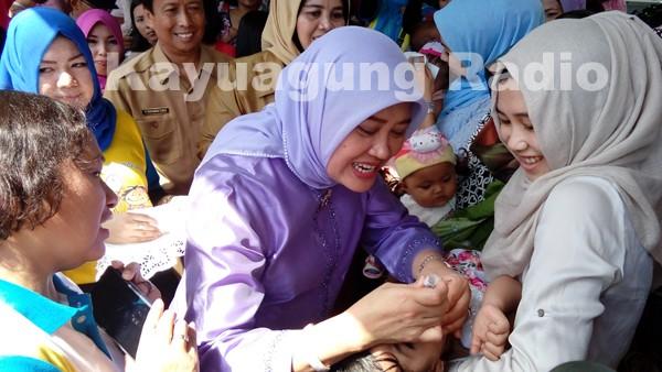 Iskandar, SE Canangkan Pekan Imunisasi Nasional Polio Tahun 2016