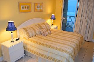 Dormitorio amarillo azul