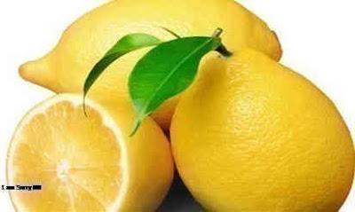 Mengatasi komedo dengan lemon