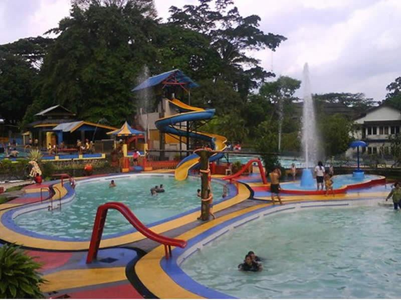 Waterboom Maarif Garden Tempat Wisata di Tasikmalaya Terbaru