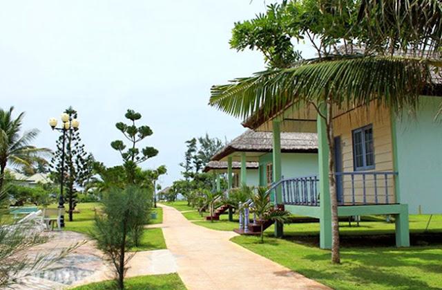 Khuôn viên khu nhà rông Paradise