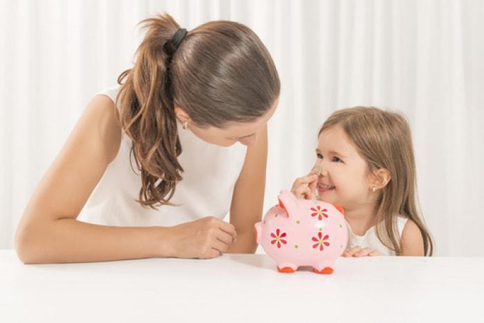 có nên cho trẻ tiền khi đi học,  có nên cho trẻ tiêu tiền sớm,  cách tiết kiệm tiền tiêu vặt,  dạy trẻ cách sử dụng tiền,  dạy con cách tiêu tiền,