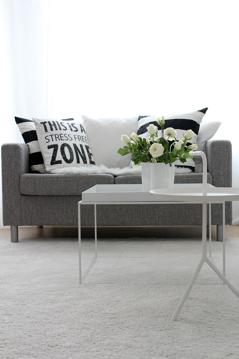white and grey scandinavian living room