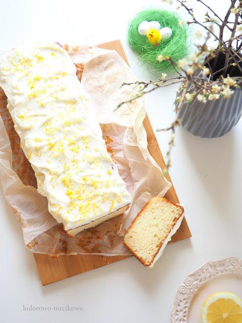 cytrynowe-ciasto-z-frostingiem