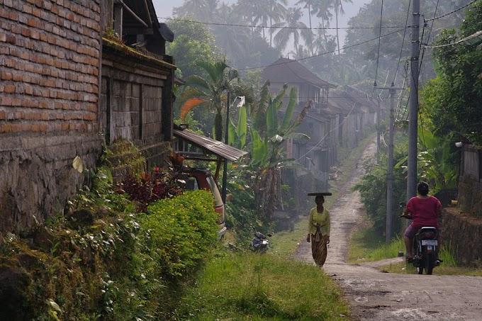 Menghapus Kemiskinan Perempuan Desa