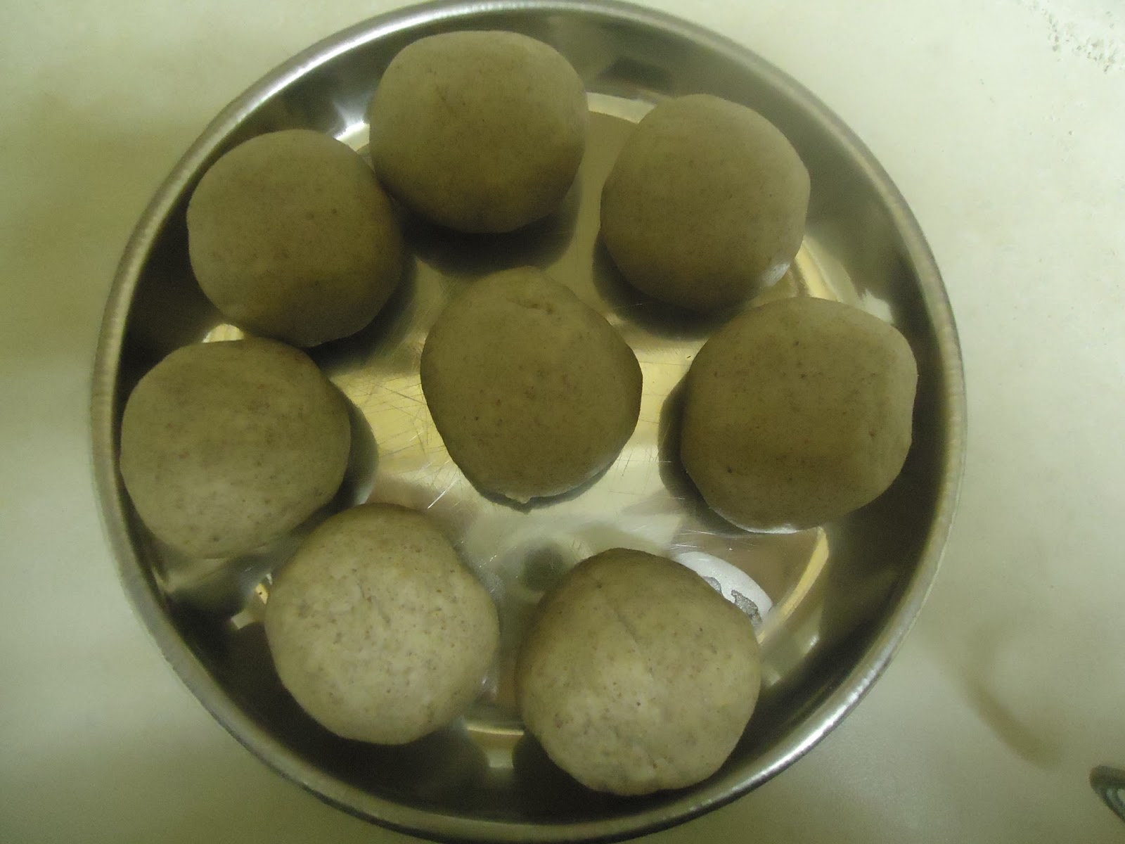 how to do chapathi Some of you have been asking me a to share tips and techniques to make soft  chapatithis is one secret, if you add flour to water instead of water to flour while .