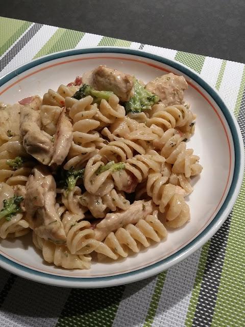 https://www.iga.net/fr/recettes_inspirantes/recettes/fusillis_cremeux_avec_poulet_et_brocoli