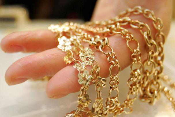 menguji keaslian perhiasan emas