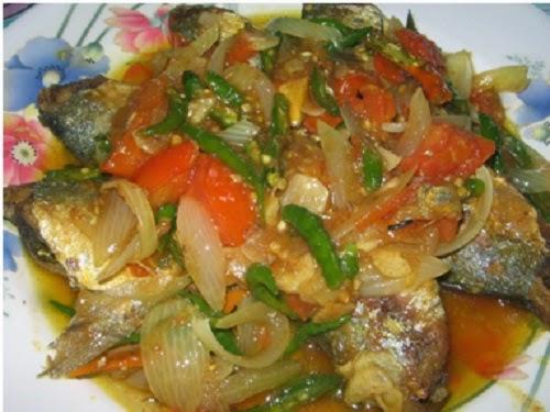 Resep Kue Ikan Jepang: [Resep Aneka Kue] Resep Ikan Tongkol Cabai Hijau Pedas