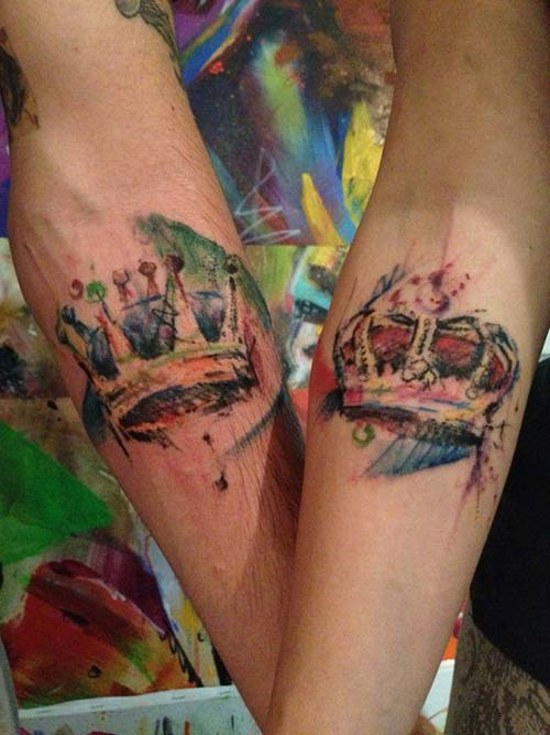 couple abstract crown tattoo sevgili taç dövmeleri renkli