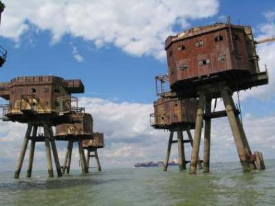 Phenomenal Relaxshacks Com Military Forts In The Sea Homes On Piers Legs Interior Design Ideas Gentotryabchikinfo