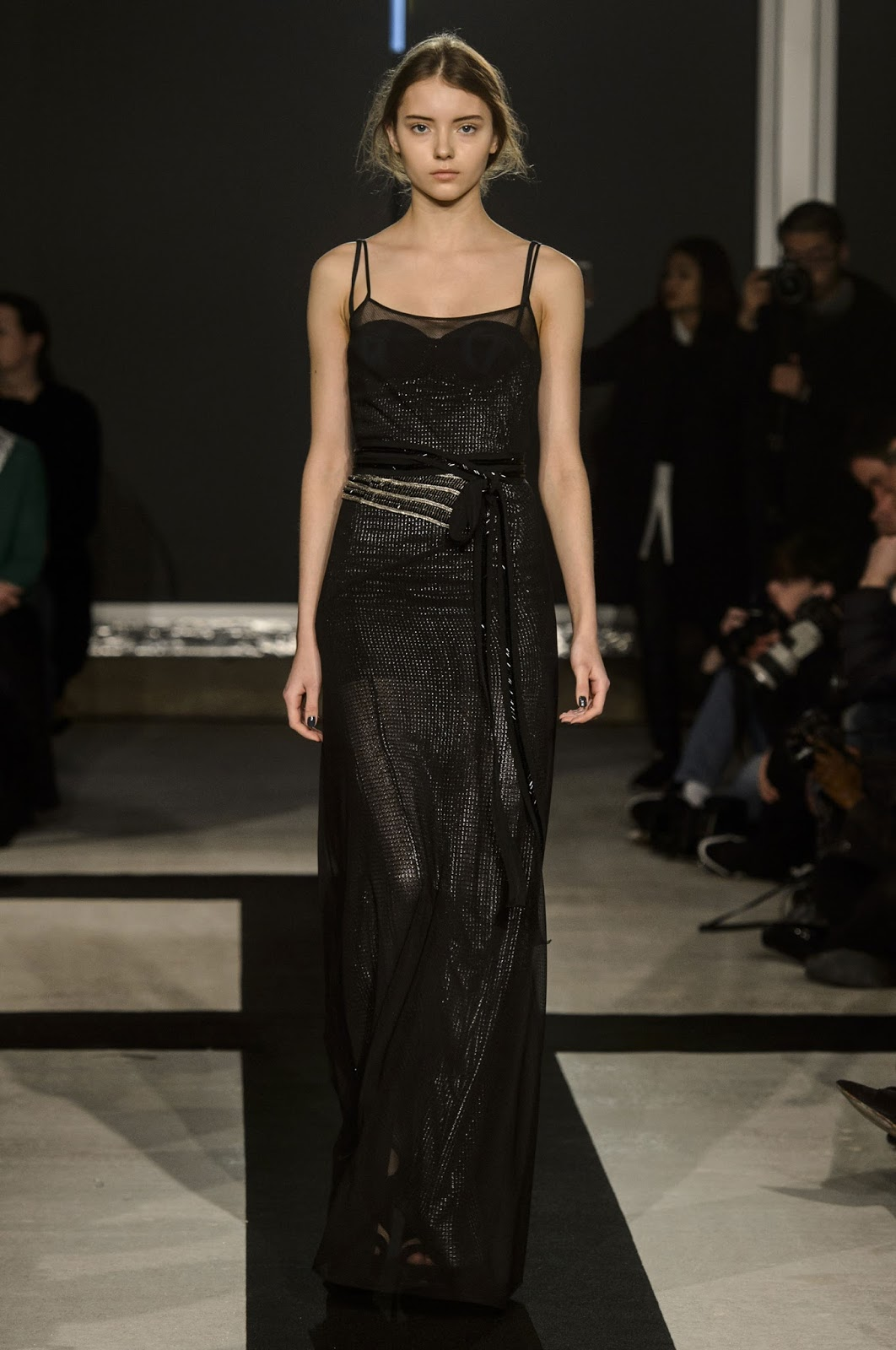 Amanda Wakeley Autumn/Winter 2016 via www.fashionedbylove.co.uk british fashion blog / london fashion week fall/winter 2016