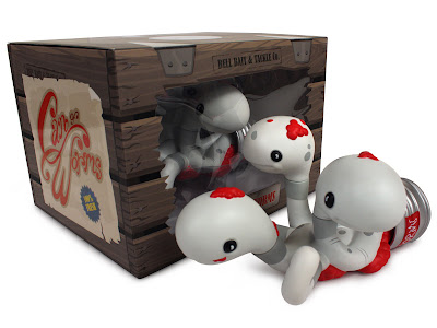 WonderCon 2013 Exclusive Bloodworm Edition Can Of Worms Vinyl Figure Set by Andrew Bell