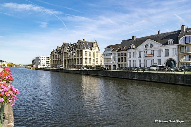 Edificios junto al Escalda - Oudenaarde por El Guisante Verde Project