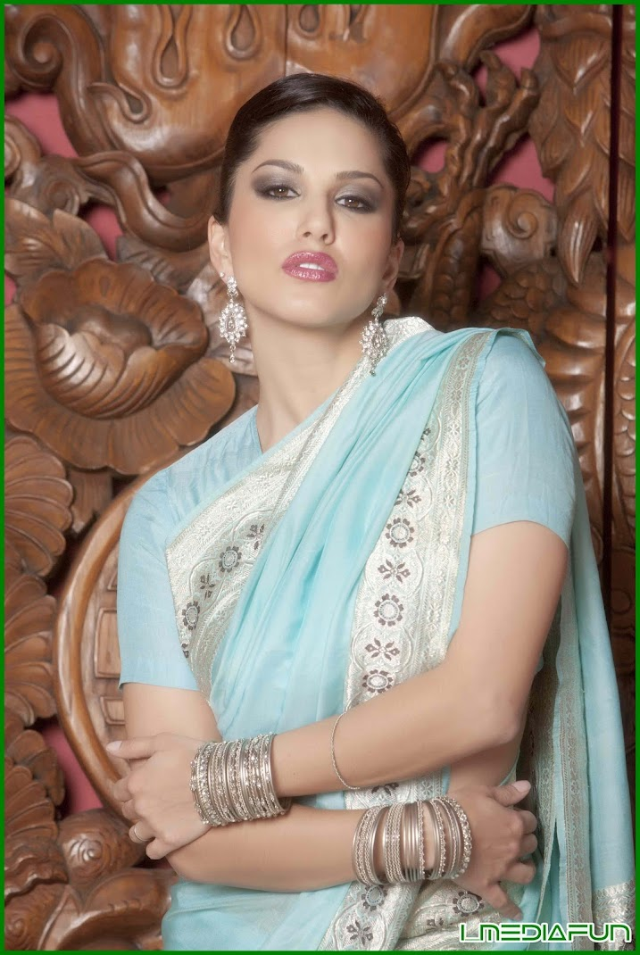 Sunny Leone July 2012 In Blue Sexy Saree Photoshoot Poses -3249