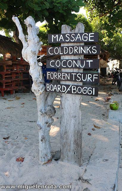 Jimbaran-Bali-carteles