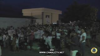 População faz protesto e pede por justiça em Picuí; veja vídeo