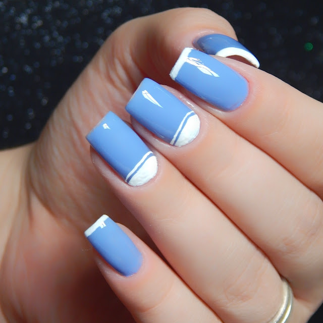 nail-art-com-esmalte-azul