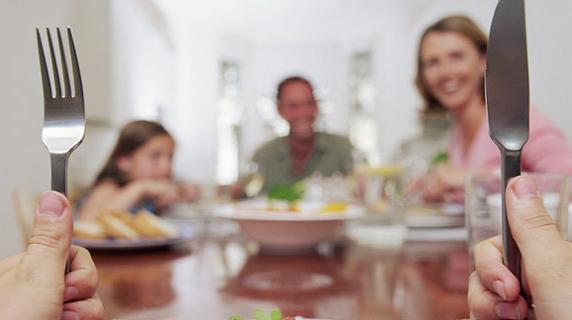Bolehkah Makan Malam Saat Diet ? Ini Pendapat Para Ahli