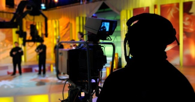 Muitas pessoas, incluindo artistas e atores têm o objetivo de ganhar maior  visibilidade e destaque no cenário nacional. Muitos percebem na televisão  um ... b04c53faf3