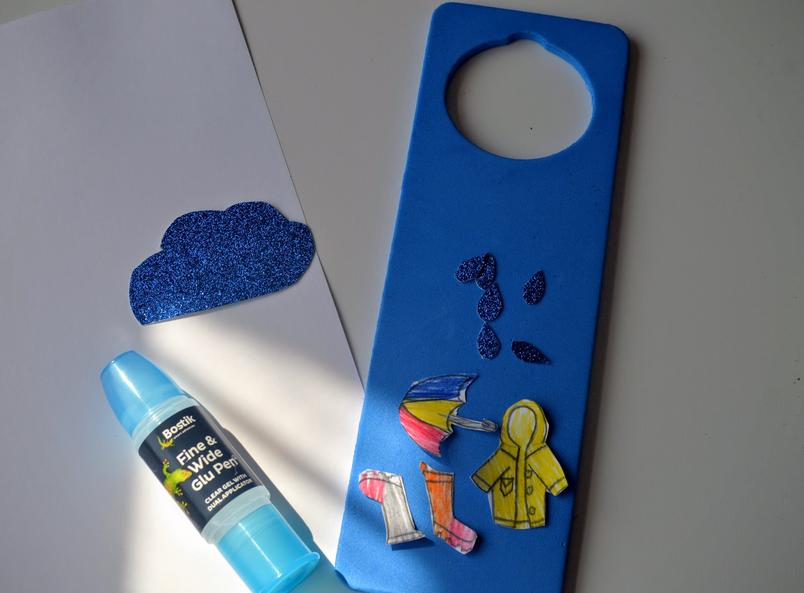, A Sunny and Rainy Day Weather Door Hanger Craft