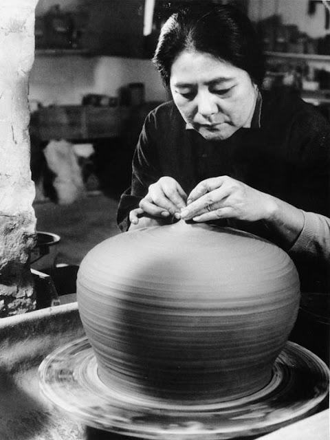toshiko takaezu ceramics