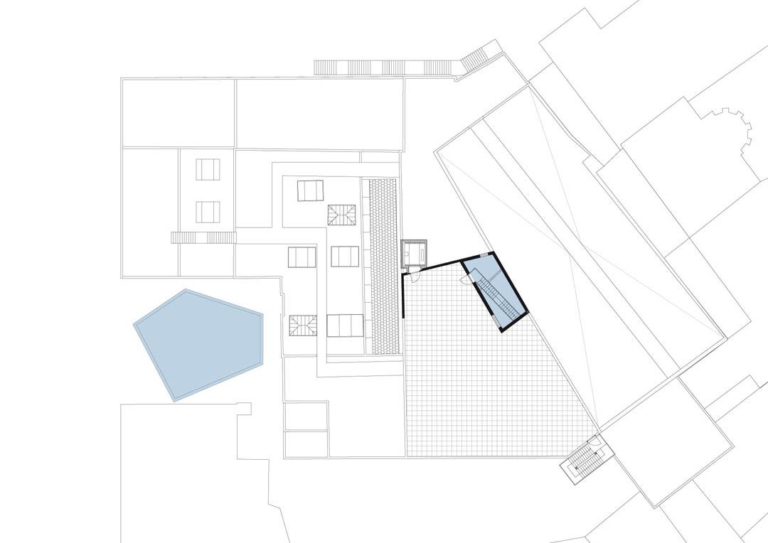 Architecture and Design: Buda Art Centre / 51N4E