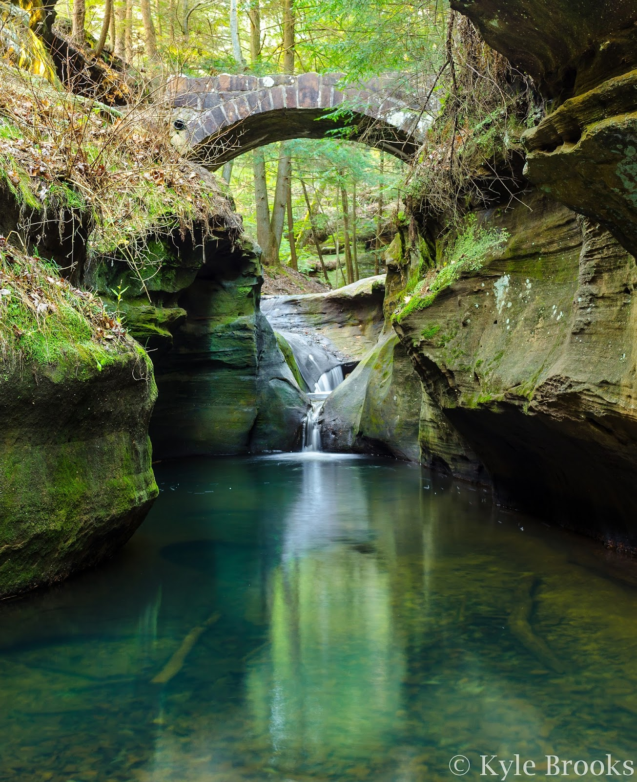 Devil's Bathtub Old Man's Cave