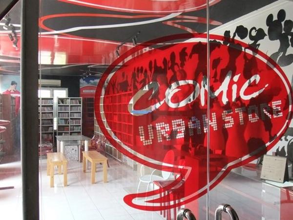 Perpustakaan Tempat Baca Buku Comic Cafe