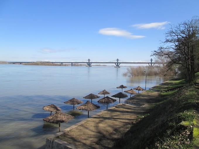 Nivelul Dunării a crescut la Calafat cu 38 cm peste cotele de atenţie