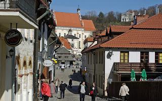 http://fotobabij.blogspot.com/2016/04/kazimierz-dolny-ul-klasztorna-zdjecie.html