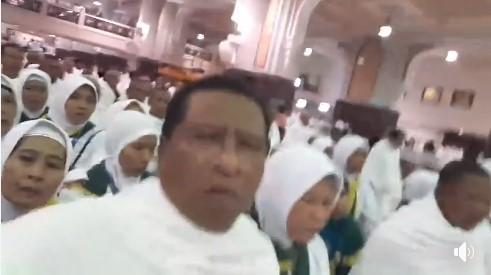 Viral Video Umrah Sambil Baca Pancasila
