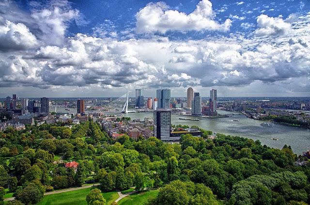 Verão em Roterdã na Holanda