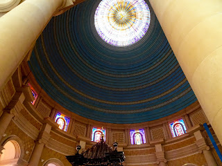 the architect deliberately made the dome of the basilica lower than that of the original