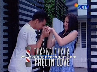 Tukang Cukur Fall In Love FTV