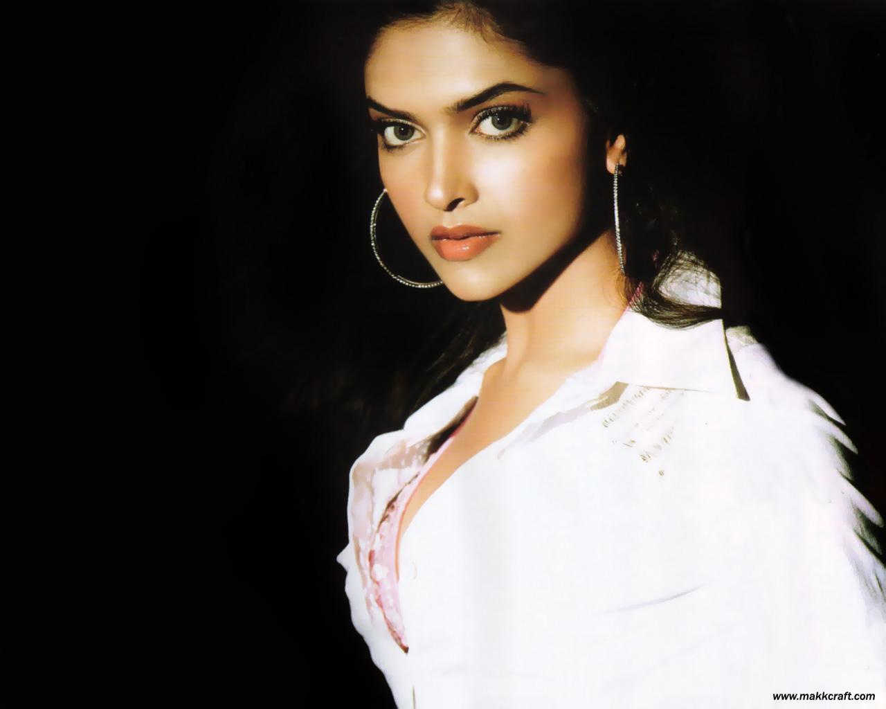 Deepika Padukone Wallpapers: 2012-13 Deepika Padukone Hot ...  Deepika Padukon...