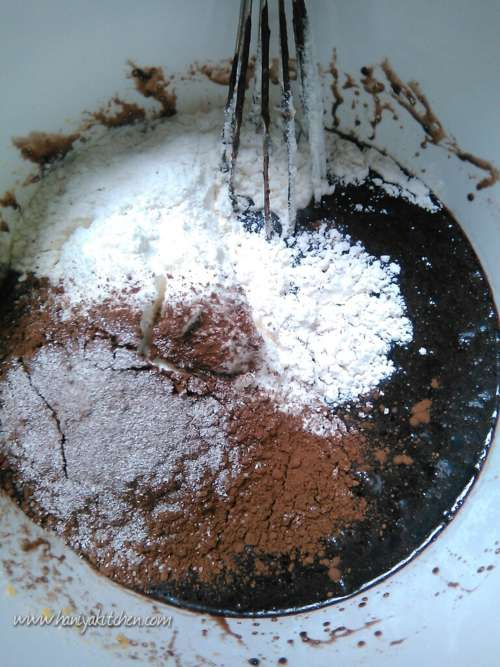 Resep Fudgy Brownies Panggang Shiny Crust