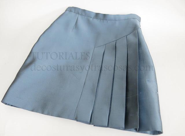 falda con pieza plisada paso a paso