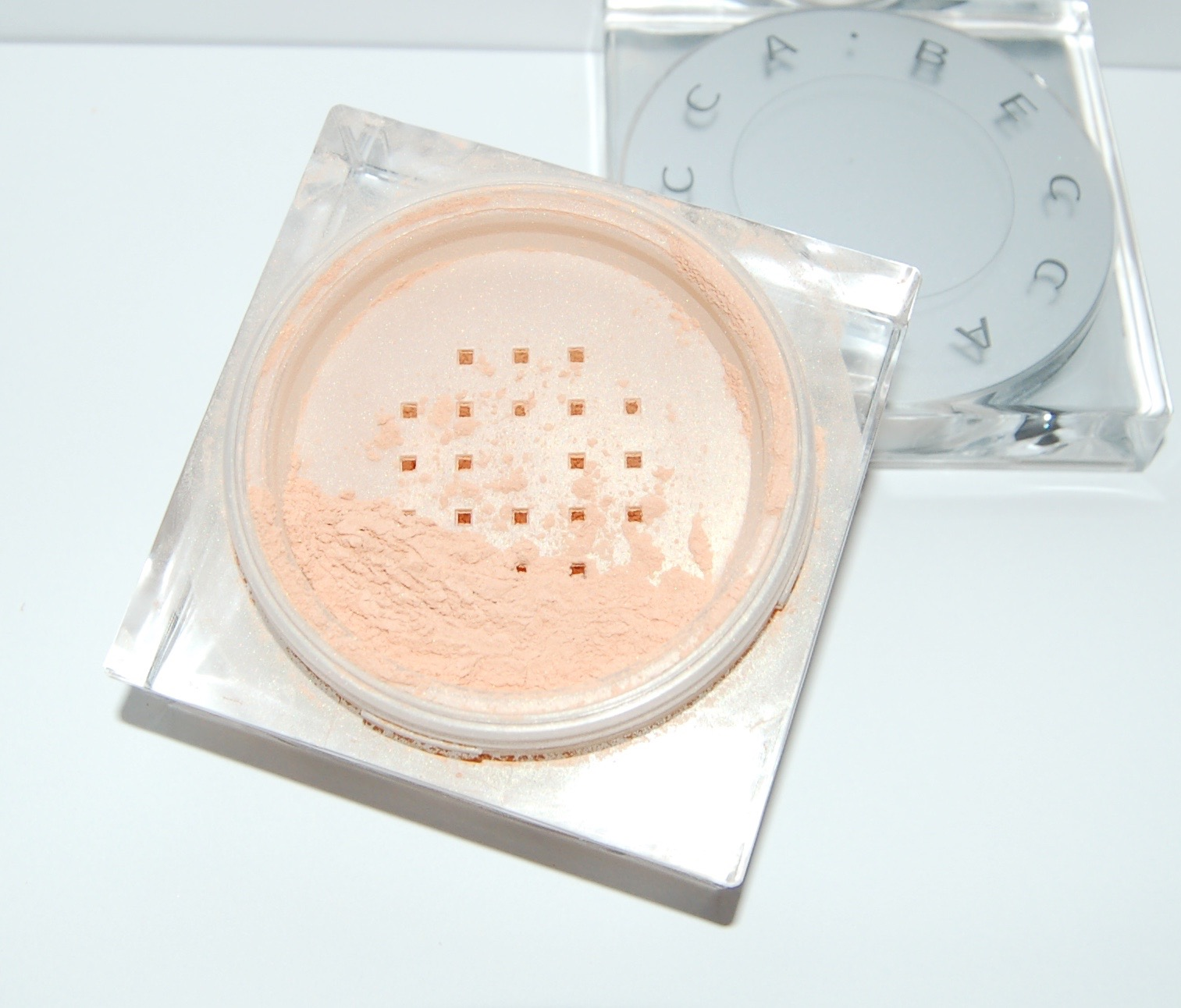 Becca Soft Light Blurring Setting Powder