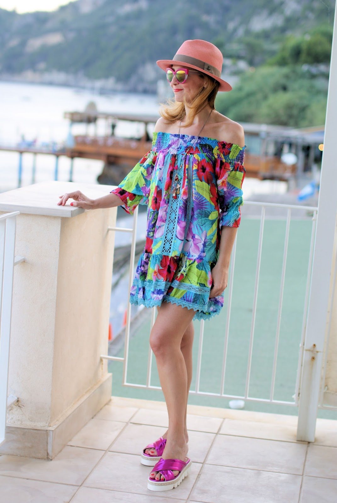 How to dress for the beach with an off the shoulder Tezuk dress on Fashion and Cookies fashion blog, fashion blogger styl and crossed chunky sole sandals