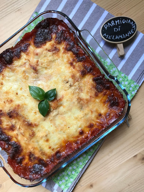parmigiana di melanzane, receta italiana