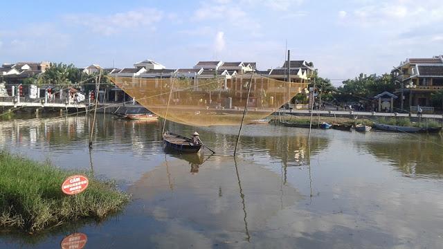 Hoi An, redes de pesca en el río