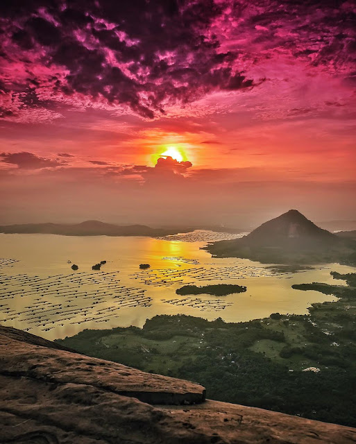 foto sunrise di gunung lembu
