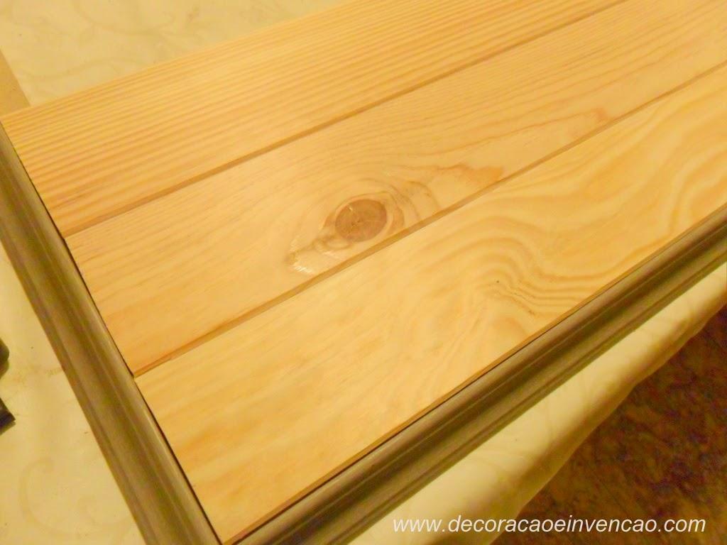 painel de TV com ripas de madeira #673B06 1024x768