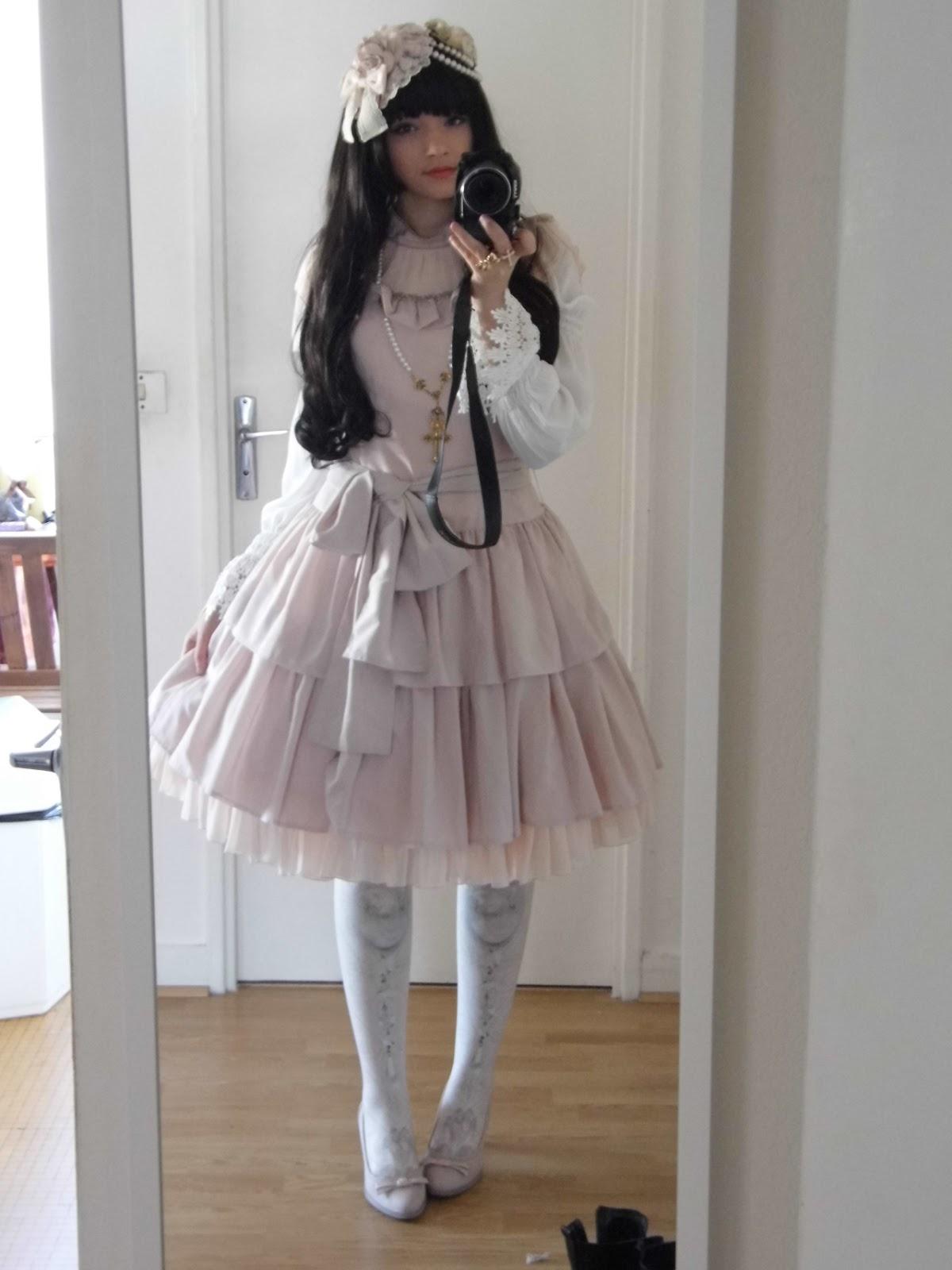4a5f49fa323ec0 Lolita - by AM