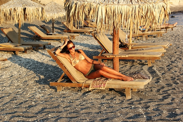 best neutral colors bikini beach looks and outfits