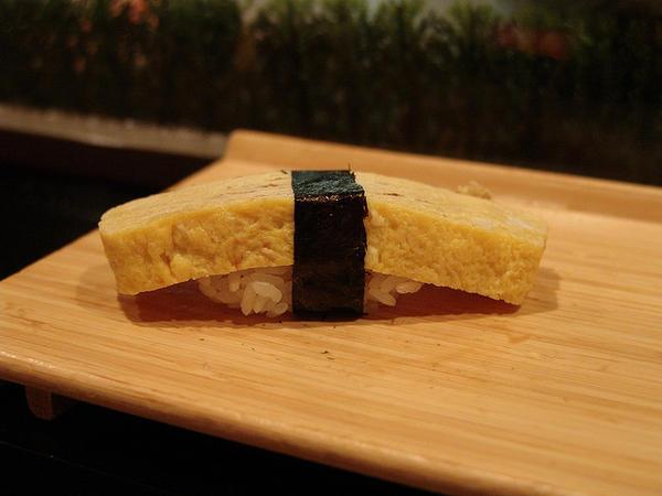 101 เมนูซูชิ ซูชิหน้าไข่หวานย่าง (Tamagoyaki)