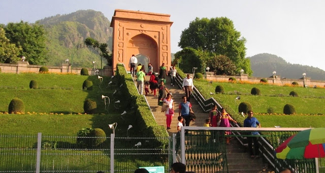 SHALIMAR GARDEN BEAUTY FACT HISTORY
