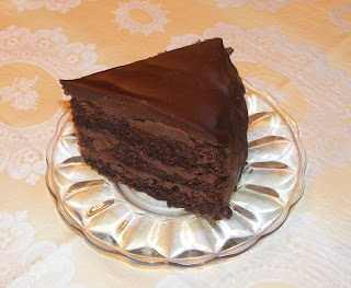Tort cu ciocolata si rom retete culinare,